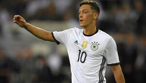 Mesut Özil, Arsenal'de de o numarayı istiyor!