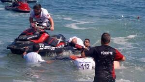Türkiye Su Jeti ve Flyboard Şampiyonası Akçakoca'da yapıldı