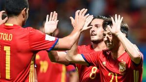 İspanya, gol yağdırarak başladı!