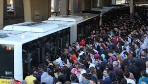 İstanbul'a 290 kişilik metrobüs