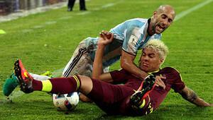 Messi'siz Arjantin zor kurtuldu!
