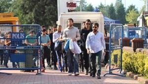 19 akademisyen ve öğrenci FETÖ'den adliyeye sevk edildi