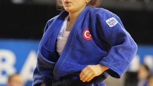 Balkan Büyükler Judo Şampiyonasında Nazlıcan altın madalya kazandı