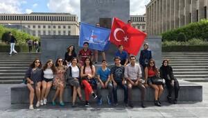 Liseliler Avrupa Parlamentosu'nu ziyaret etti