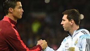 Ronaldo'dan Xavi'ye sert yanıt!