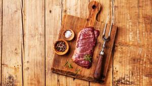İyi pişirilmemiş et hastalık bulaştırıyor