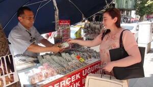 22 yıldır Tunalı'da şans dağıtıyor