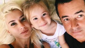 Acun Ilıcalı ve Şeyma Subaşı'ndan aile pozu