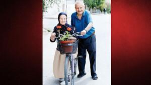 87 yaşında tek böbrekle bisiklet üzerinde