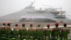 İran'ın yüksek hızlı savaş gemisi suya indi