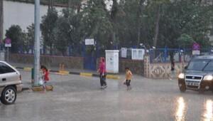 İslahiye'de sağanak yağmur etkili oldu