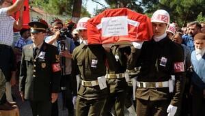 Şehit Uzman Çavuş Akatayı 5 bin kişi uğruladı