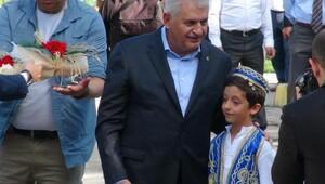 Başbakan Yıldırım, Doğubayazıt'ta şehit korucuların ailelerine taziyede bulundu - Ek fotoğraf