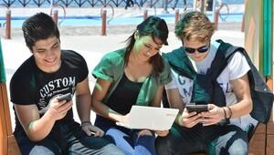 1.5 milyon İzmirlinin ücretsiz internet keyfi