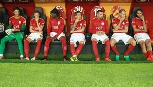 Galatasaray'da Hamit Altıntop oyuna alınmayınca çıldırdı!