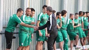 Bursaspor'da kupa ve lig mesaisi başladı