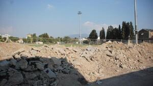 İzmir'de stat alanları moloz döküm alanı oldu