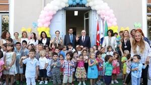 İzmir'in en eski anaokulunda da ders zili çaldı