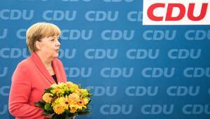 Merkel beş seçim yenilgisinden sonra başbakanlığa yine aday olacak mı?