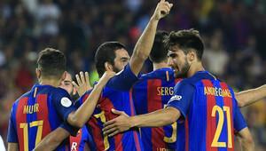 Barcelona 34 yaşındaki futbolcuyu alıyor