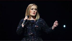 Adele: 'Angelina ve Brad ayrılığı bir dönemin sonu'