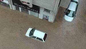Karadeniz yağmura teslim oldu, Trabzon'da 2 kişi hayatını kaybetti