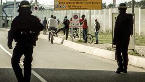 Kaçak göçmen taşıyan 2 Belçikalı polis yakalandı