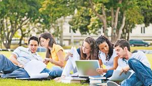 Üniversite birinci sınıf öğrencilerine burs ve kredi müjdesi