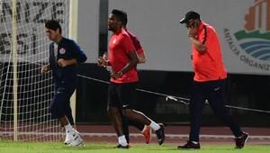 Eto'o antrenmanda, Antalyaspor maçta