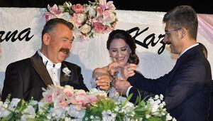 Evlenen Cumhuriyet Savcısı'na nikahta 'kelepçe'