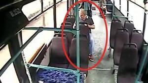 Otobüste unutulan telefonu cebine attı
