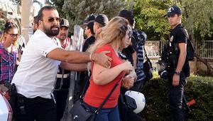Açığa alınan öğretmenlerin eylemine müdahale: 17 gözaltı