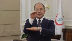 Sağlık Bakanı Akdağ'dan işaret diliyle mesaj