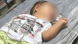 Ablasının sokakta bulduğu hapı yutan bebek hastanelik oldu