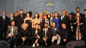 Adana Film Festivali'nde ödüller sahiplerini buldu