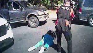 ABD polisi öldürülen siyahinin görüntülerini paylaştı
