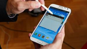 Samsung'un o telefonu uçakta alev aldı ve...