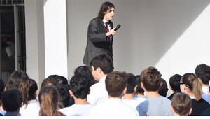 Okulda andımızı okumak isteyen öğrencilere müdürden tepki