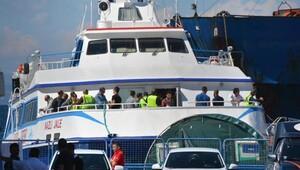 Dikili'ye Yunanistan'dan 70 kişilik mülteci grubu iade edildi