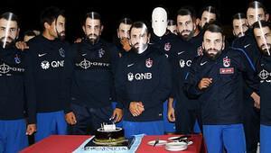 Mustafa Yumlu'ya sürpriz kutlama
