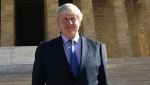 Boris Johnson Anıtkabir'i ziyaret etti
