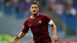 Roma'nın efsane kaptanı Totti 40 yaşında