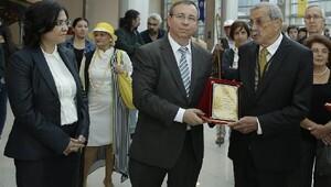 TÜ'de, Güngör Danışman Arıbal'ın sergisi açıldı
