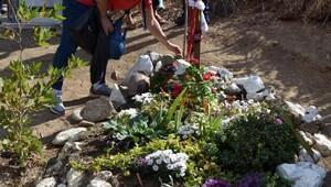 Tuncel Kurtiz 3üncü ölüm yıldönümünde mezarı başında anıldı