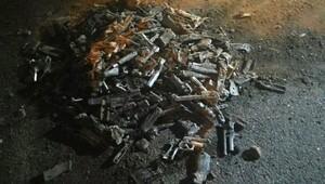 Üsküdar'da toprağa gömülü 240 tabanca bulundu