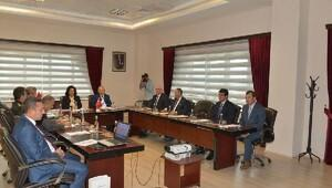 Vali Civelek, üniversite güvenlik toplantısına katıldı