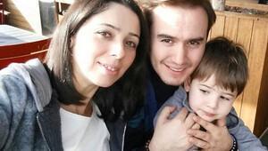 Mustafa Ceceli eşi ile düet yaptı