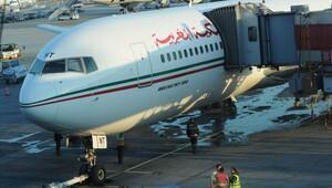 Kalkış için hazırlanan uçağı su bastı