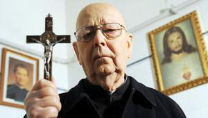 Vatikan'a 'şeytan çıkarma kursu düzenle' çağrısı