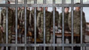 Askeri cezaevinde cinsel saldırıya ceza yağdı